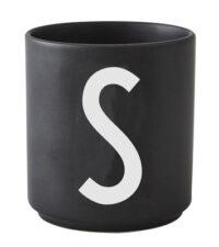 Mug Arne Jacobsen Letter S Black Design Letters Arne Jacobsen