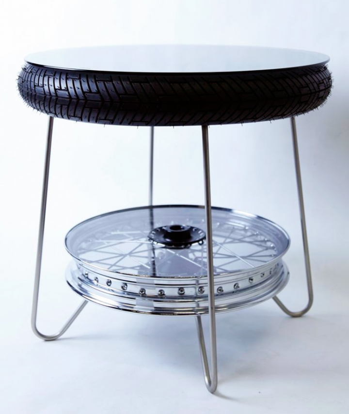 triumph_motorcycles_product_prototypes_table01