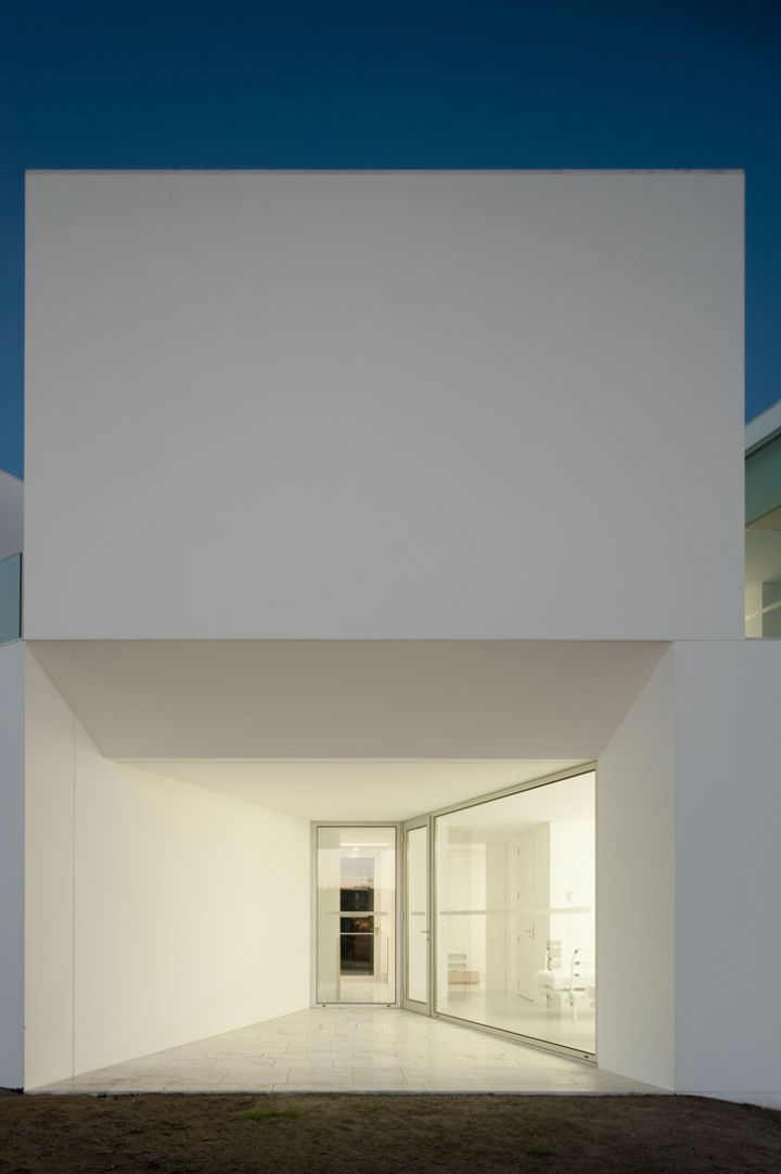 ALCACER-DO-SAL-FORM-by-Aires-Mateus-architects-photo-Fernando-and-Sergio-Guerra-yatzer-17