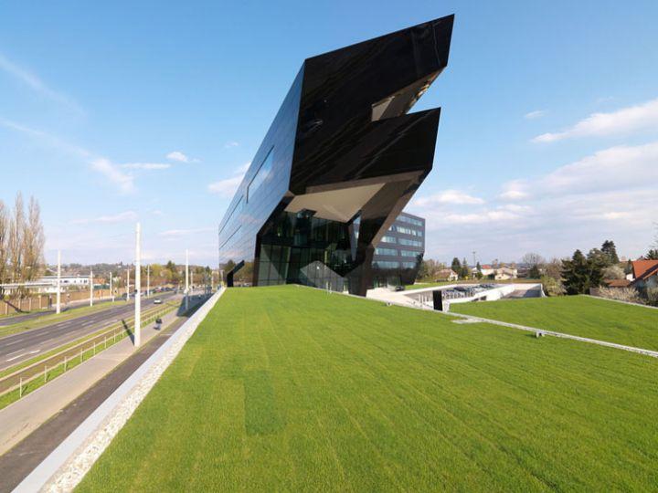 Μαύρος Πάνθηρας--από-GSArchitects-φωτογραφία-Gerald-Liebminger-Yatzer-2