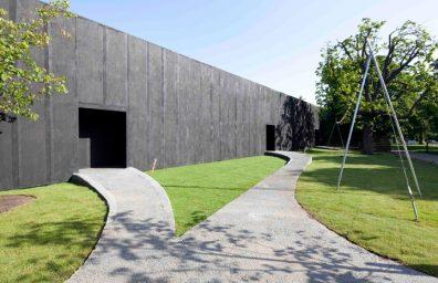 03-Peter-Zumthor-Serpentine-Gallery-Pavilion-2011