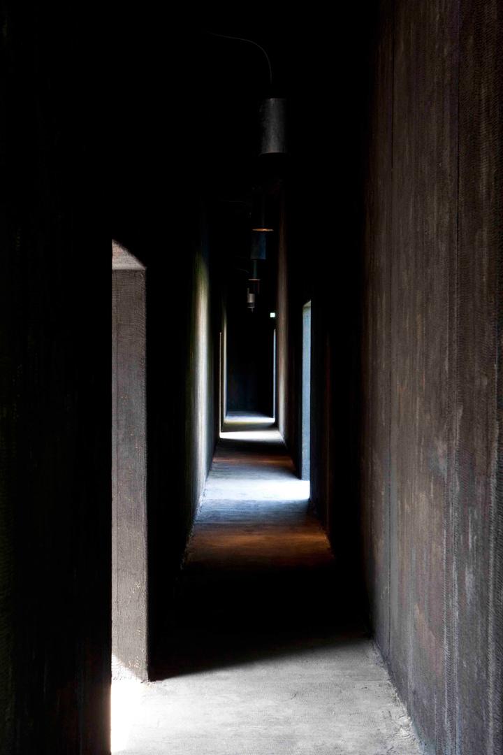 05-Peter-Zumthor-Serpentine-Gallery-Pavilion-2011