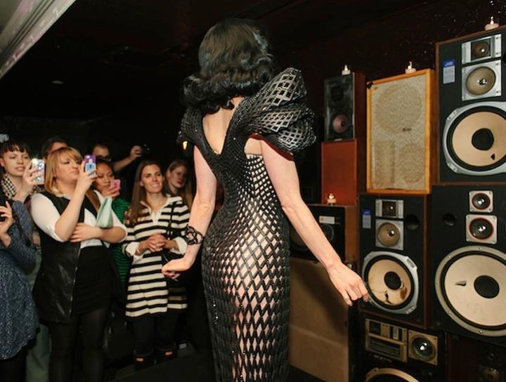 Dita Von Teese φόρεμα 3d 04 εκτύπωση