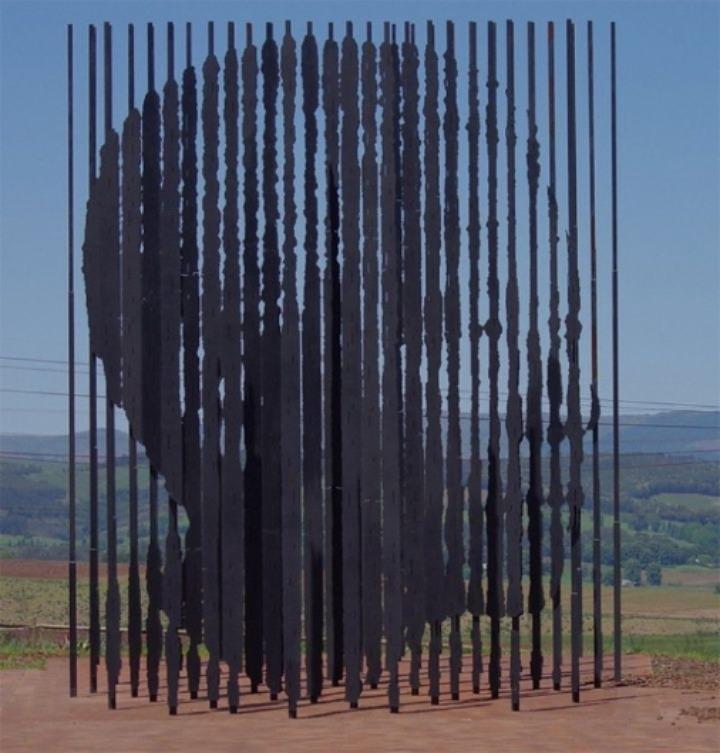 Mandela-Sculpture by-Marco-Cianfanelli4-640x670