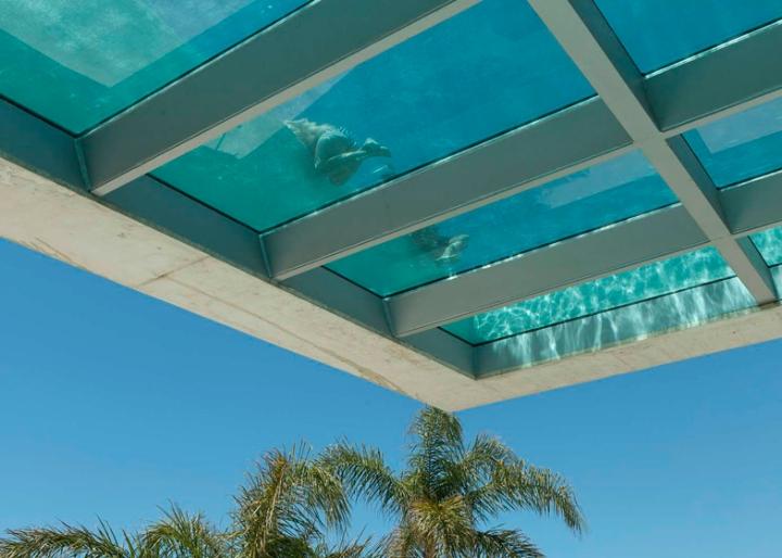 Medusa-House-by-Wiel-arets-Architects-house-piscina-transparente de vidro-roof-Marbella-Espanha-ddarcart-03