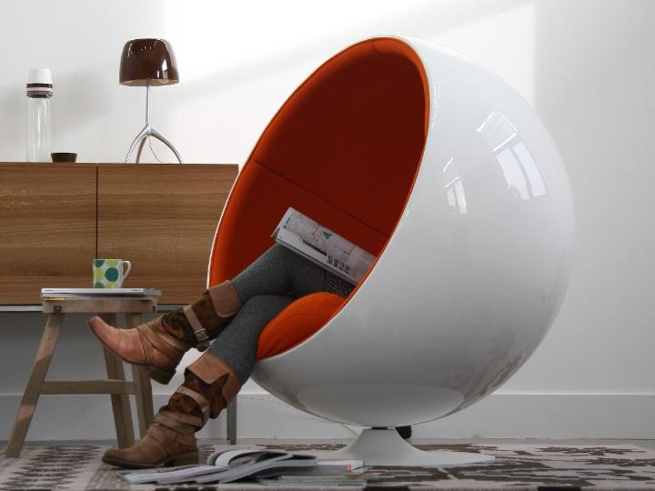 Eero Aarnio ball chair, ball chair 02