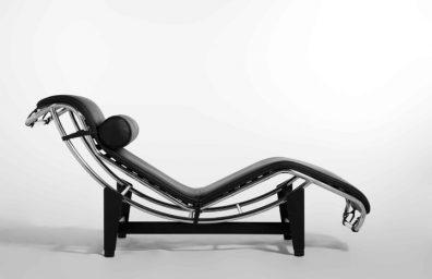 Η καρέκλα ανάκλιντρο Le Corbusier Pierre Janneret Charlotte Perriand