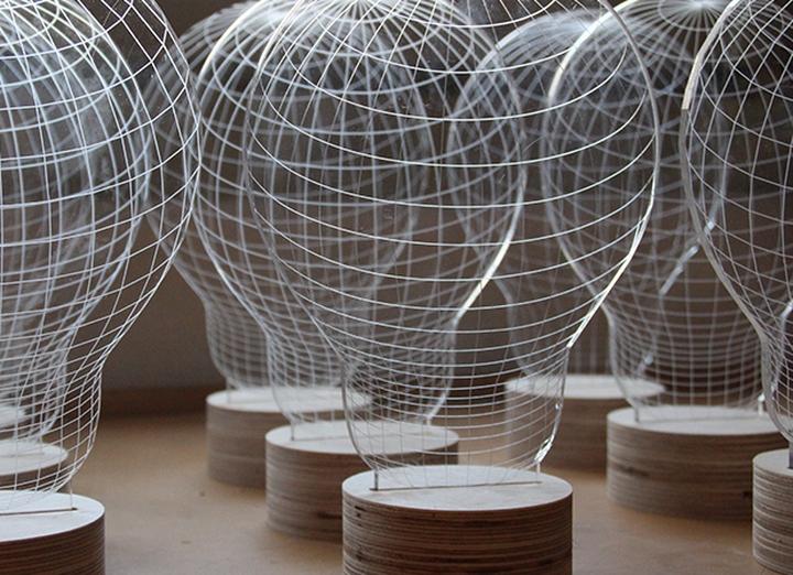 Bulbing 3d table lamp Design Magazine Social-10