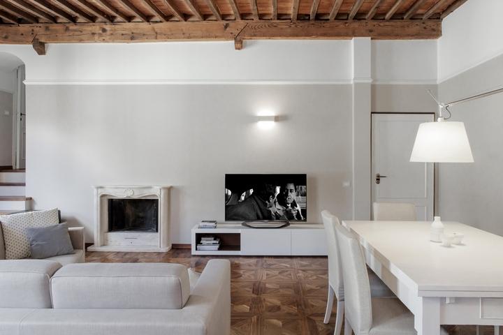 Studiòvo viejo apartamento en Lucca Social Design Magazine 07