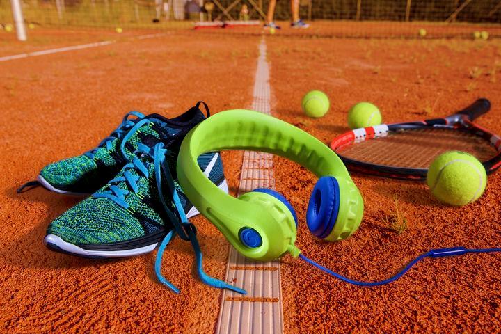 Electric tennis