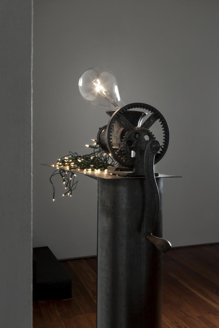 CS machine that produces small bulbs 2