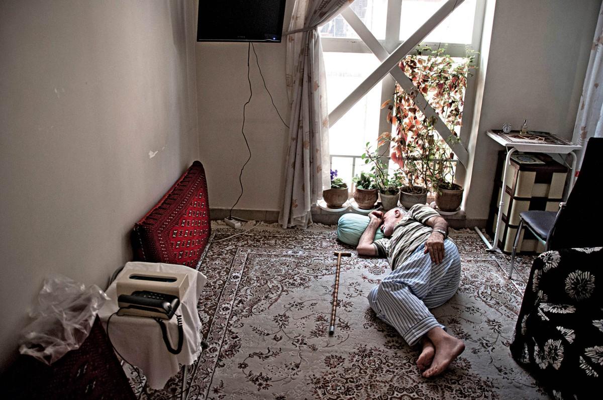 Η Φάμπρικα του ιρανικού Living Room, Χαμέντ Χουλαγκού