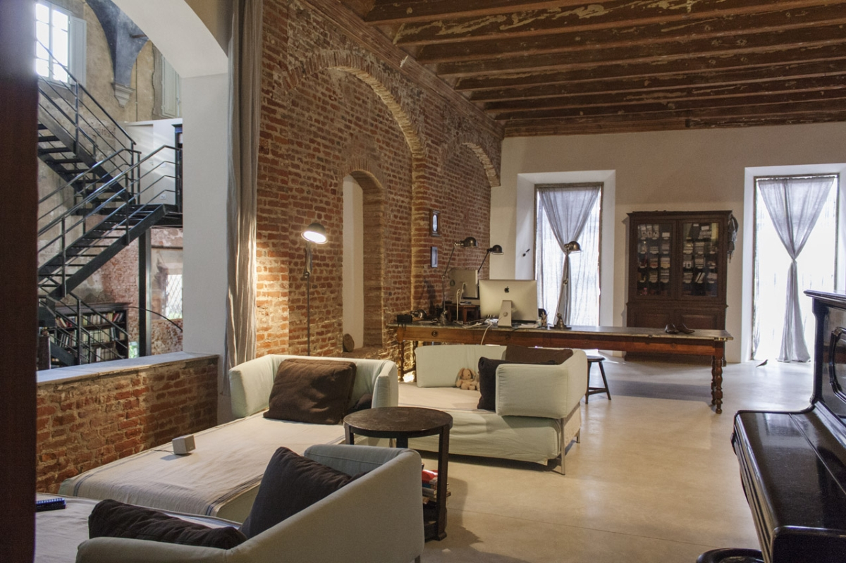 Rada Markovic, lighting design for Massimo Vitali home 13 Working studio (former SACRISTY) ph. Rada Markovic