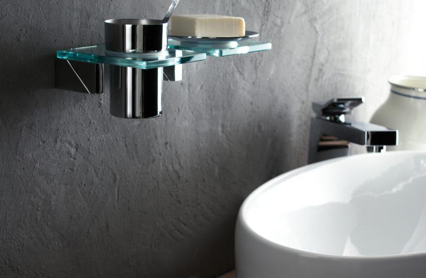 Gli accessori? Indispensabili in ogni bagno