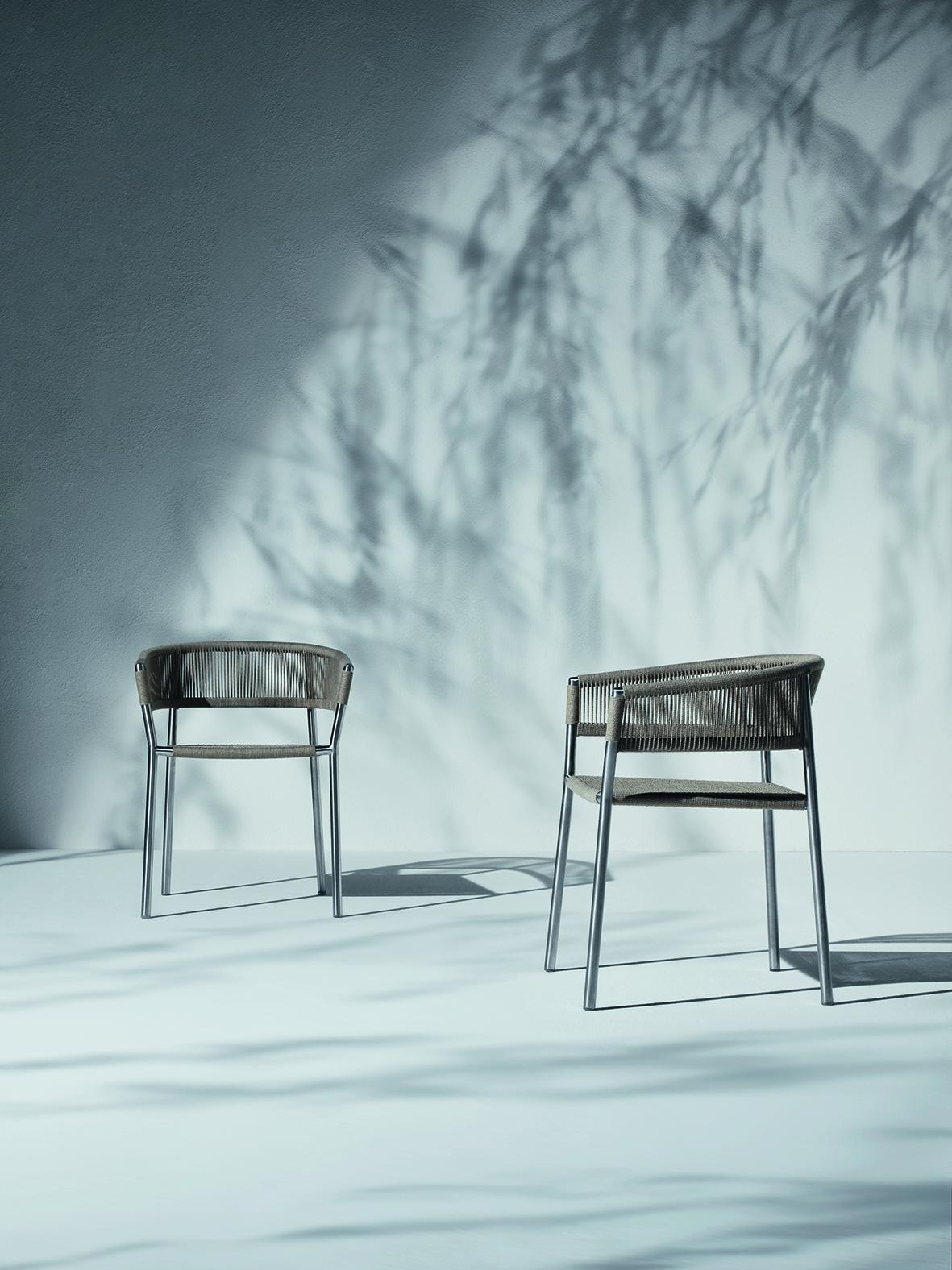 Ethimoの積み重ね可能な椅子のキルト