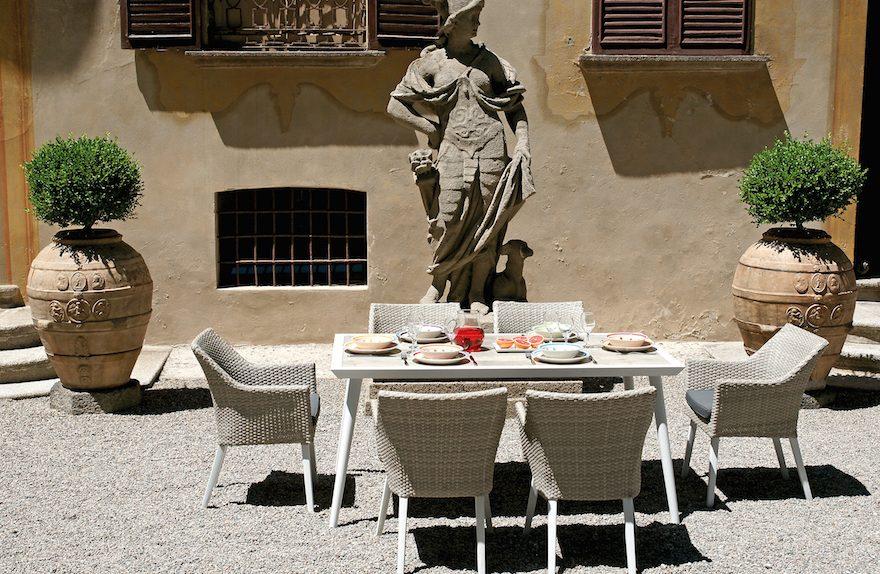Τραπέζι Marassi και πολυθρόνα Boccadasse