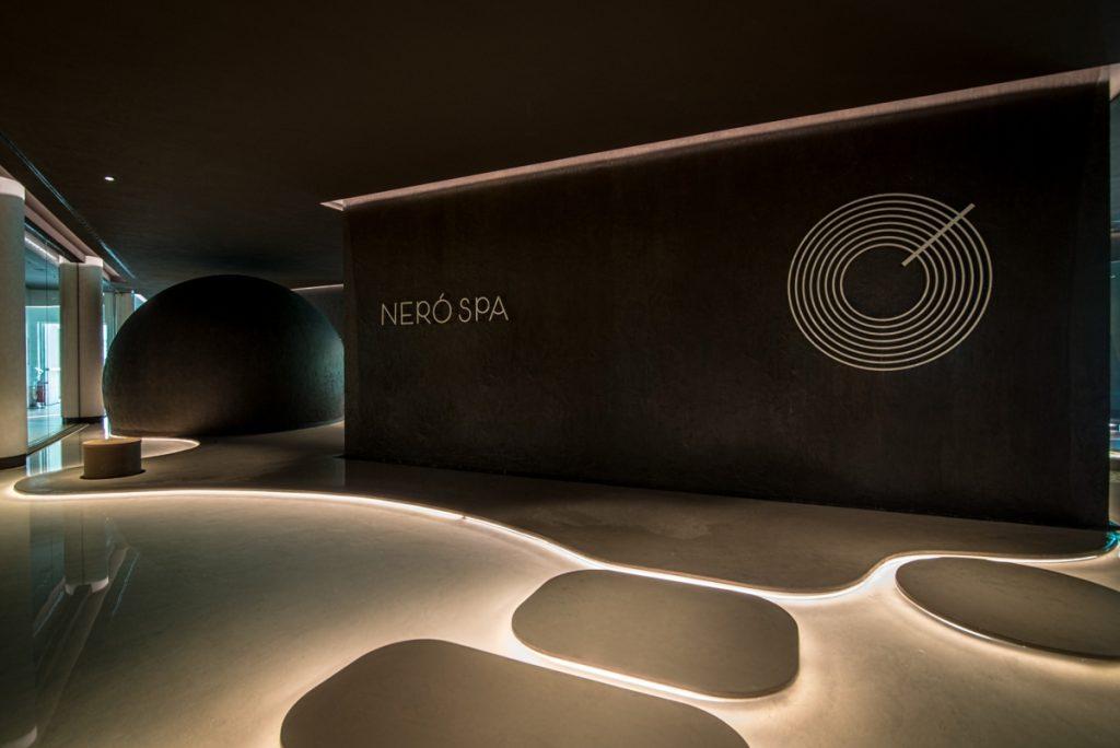Neró Spa Studio Apostoli, der Eingang mit der Rezeption
